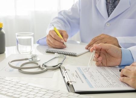 Jaunie medicīnas speciālisti varēs mācīties īsāku laiku