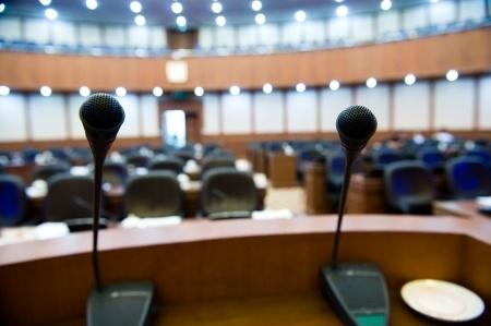 LIVA prezidenta amatam virzīs Siguldas Valsts ģimnāzijas direktoru Kalvānu
