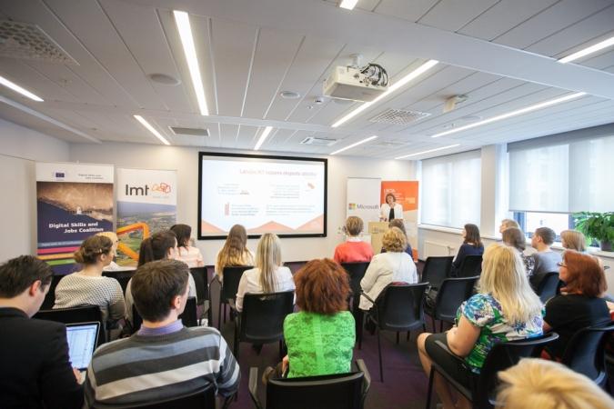 Aicina jauniešus izvēlēties karjeru IKT nozarē