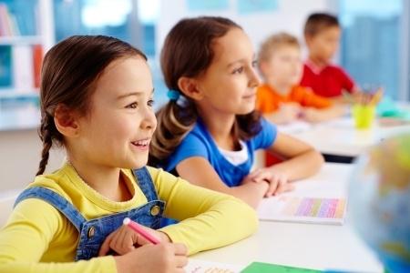Pozitīvi: Skolēni un skolotāji vidi Latvijas skolās vērtē kā draudzīgu