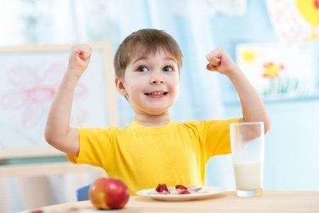 """Nosaka atbalsta likmes programmā """"Skolas piens"""""""