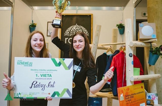 Skolēnu mācību uzņēmumu Eiropas finālā atzinību guvusi skolniece no Latvijas