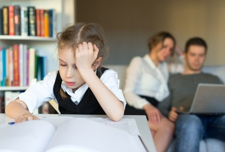 Ministrs: Brīvdienās skolēniem nebūtu jāpilda mājasdarbi