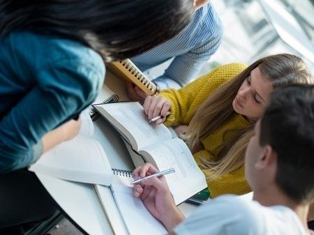 Ministrija: Valsts garantēto studiju kredītu dzēšanas priekšrocības