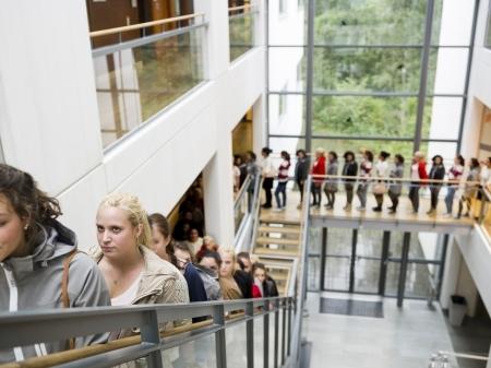 Studenti gatavi protestiem, lai nesamazinātu valsts apmaksāto studiju vietu skaitu
