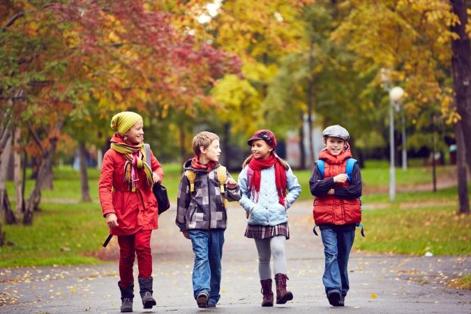 Vai jauniešu integrāciju veicinātu divplūsmu skolas?