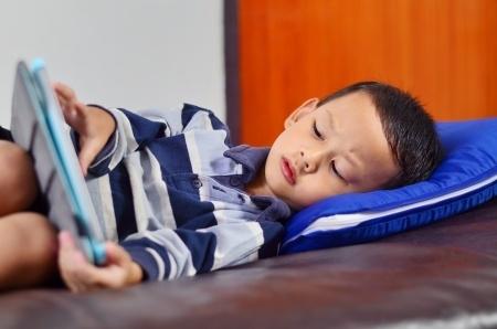 Pieaug skolēnu pavadītais laiks pie datora
