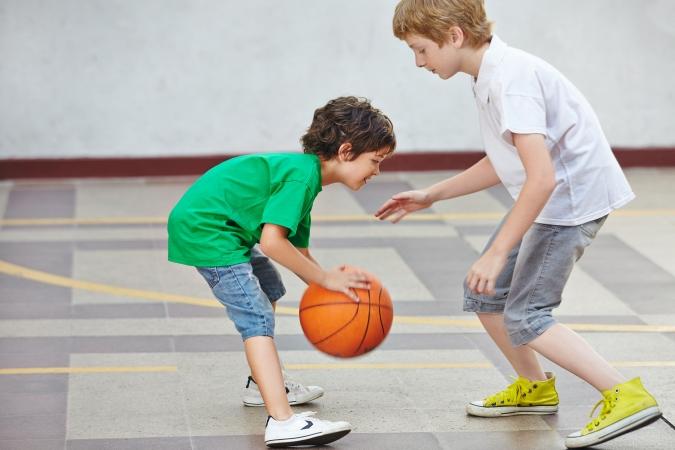 Ierēdņi skeptiski vērtē iespēju ieviest skolās papildu sporta stundu