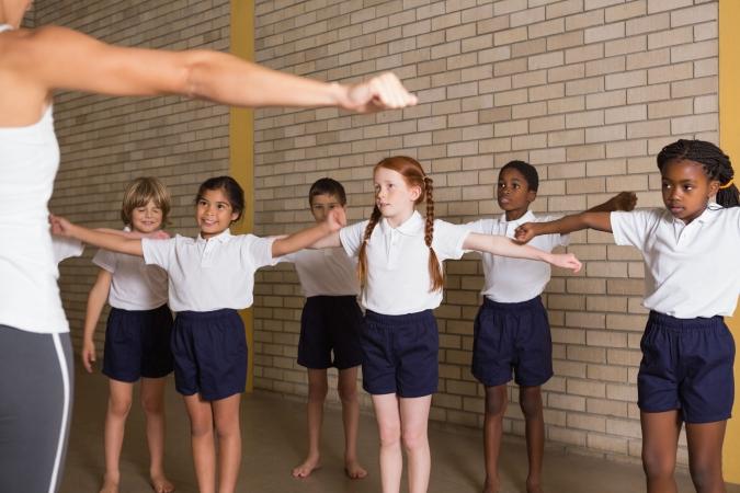 """""""Gada sporta skolotāja 2014"""" balvu saņem divi skolotāji"""