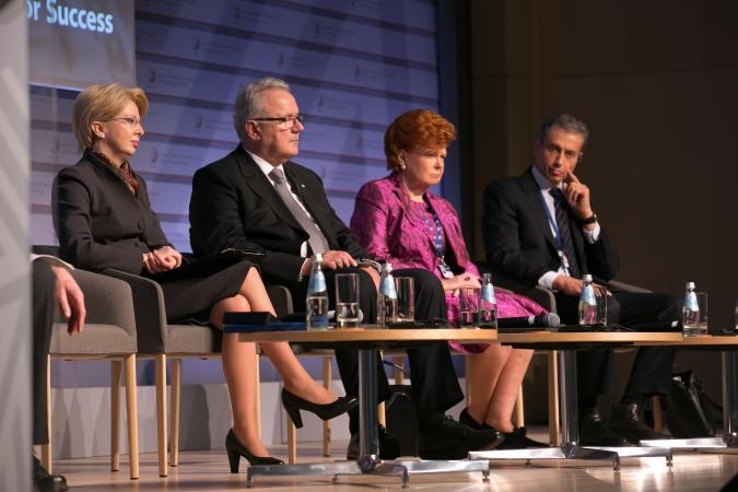 Vaira Vīķe-Freiberga: Sievietei ir vienlīdzīgas tiesības uz izglītību un karjeru
