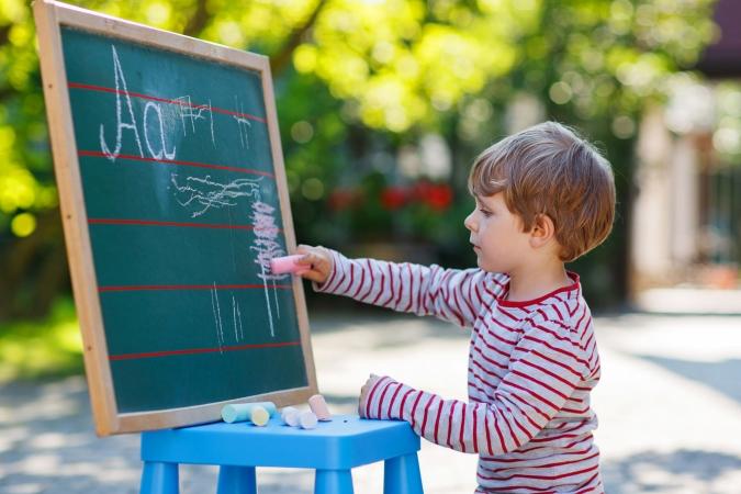 Aptauja: No cik gadu vecuma būtu jāuzsāk skolas gaitas?