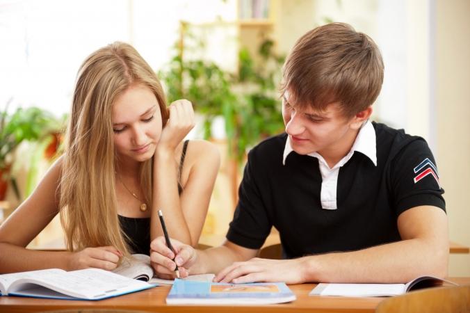 Noskaidroti Latvijas zinošākie devītklasnieki