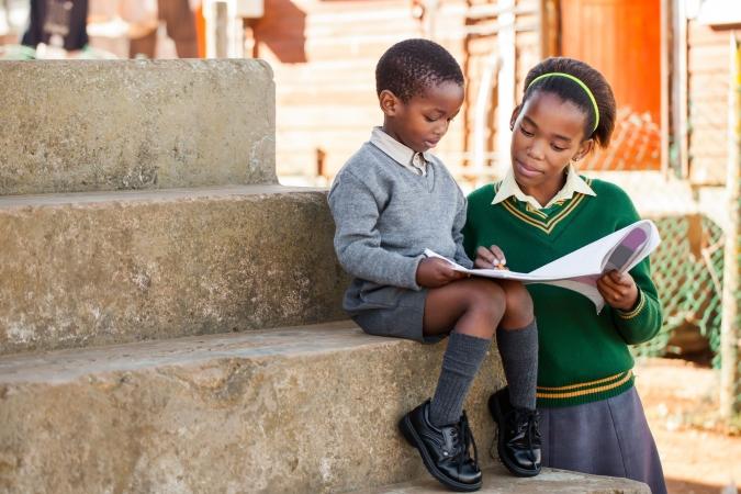 Bērnu lasītprasme būtiski ietekmē nabadzības līmeni
