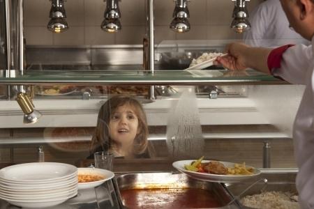 Turpmāk skolu ēdienkarte tiks vēl stingrāk ierobežota