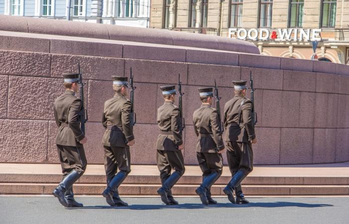 Studentiem par militāro apmācību kursu varētu piešķirt kredītpunktus