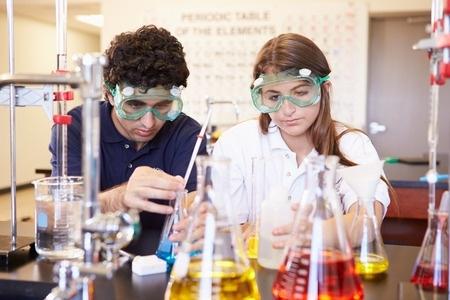Skolēni piedalīsies 47.starptautiskajā ķīmijas olimpiādē