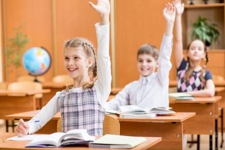 Visvairāk Latvijas iedzīvotāji uzticas izglītības iestādēm