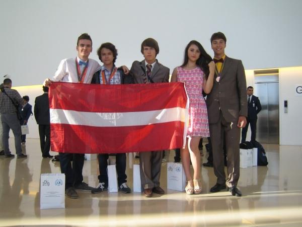 Visi Latvijas skolēni ieguvuši medaļas Starptautiskajā ķīmijas olimpiādē