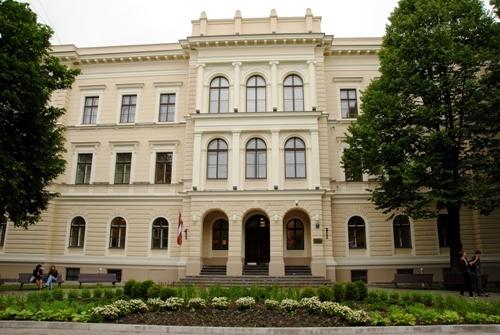 Rīgas Valsts 2.ģimnāzija aicina uz informācijas dienu