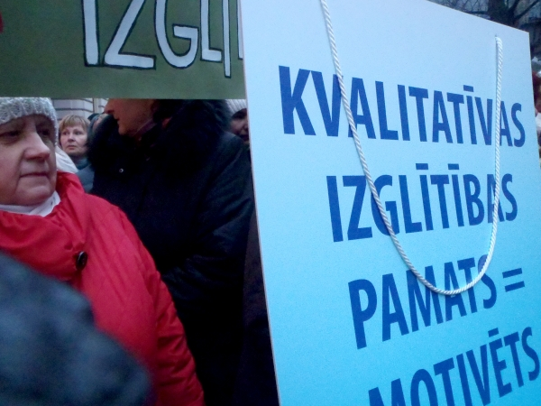 Pedagogu arodbiedrība vienbalsīgi atbalsta streika rīkošanu