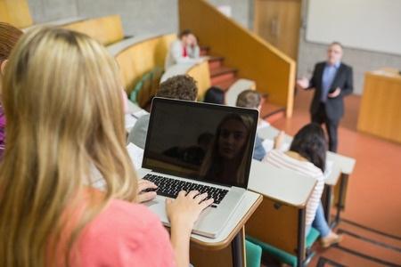 Studenti satraucas par iespējamu budžeta vietu samazinājumu