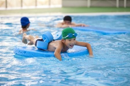 Atkal rosina ieviest papildu mācību priekšmetu, šoreiz - peldēšanu