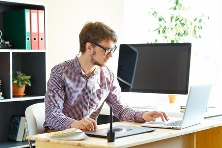 Daugavpilī notiek jauno datorsistēmu tehniķu konkursa pusfināls