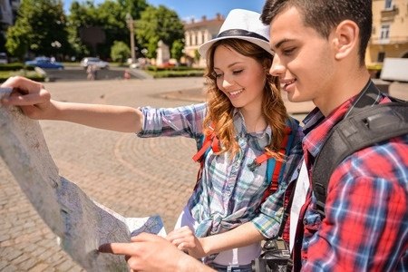 Vidusskolēniem iespēja piedalīties stipendiju konkursā un mācīties ārzemēs