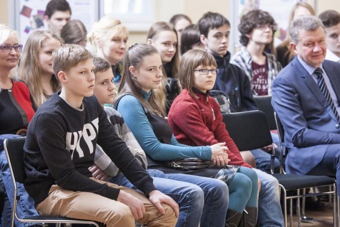 RTU Inženierzinātņu vidusskola aicina uz iestājpārbaudījumu