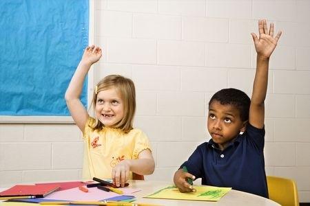 Pētījums: Jaunajiem skolotājiem ir problēmas darbā ar kultūras ziņā atšķirīgiem skolēniem