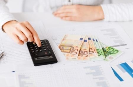 Gandrīz pusei pedagogu alga svārstās no 420 līdz 760 eiro