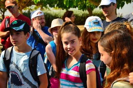 Rīgā bērnus un jauniešus aicina izvēlēties vasaras nometni