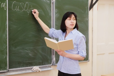 Saeima atbalsta pedagogu darba kvalitātes novērtēšanu uzticēt skolas vadībai