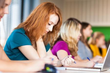VISC: Kāda skola tīši nopludinājusi matemātikas eksāmena uzdevumus