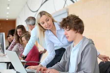 OECD: Latvija sekmīgi īsteno Izglītības pamatnostādnes