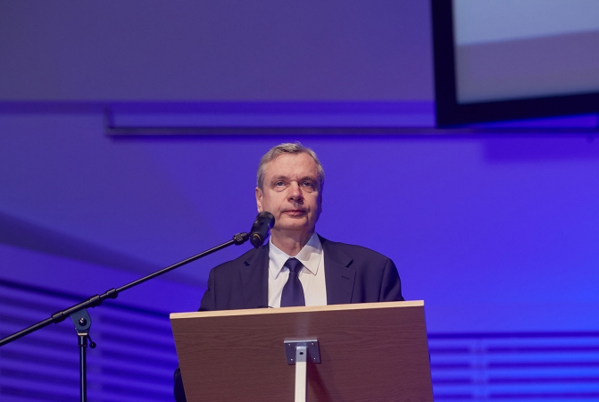 Ministrs: Latvijā ir vidusskolas, kuru pastāvēšana kvalitātes ziņā nav pieļaujama