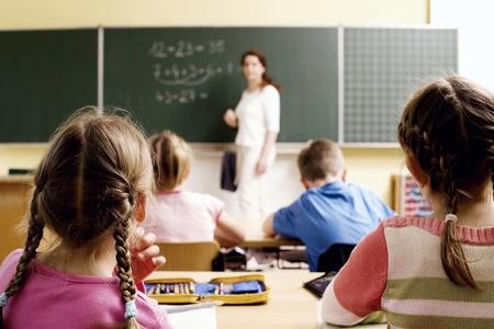 Latvijā viens skolotājs māca vidēji 9,8 skolēnus