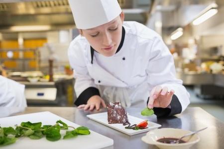 35% Rīgas skolu audzēkņu sūdzas par negaršīgu ēdienu skolās