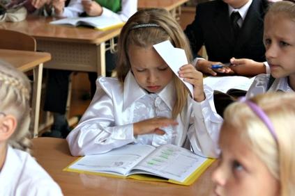 Septembrī skolas gaitas sāks 18 744 pirmklasnieki