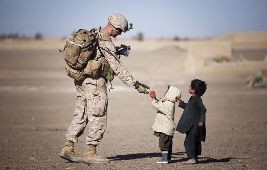 Militārās apmācības kursu izgājušajiem studentiem varētu segt mācību maksu
