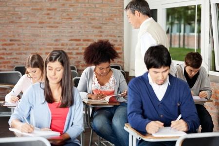 Skolu tīkla sakārtošanā arī turpmāk fokusēsies uz vidusskolas posmu