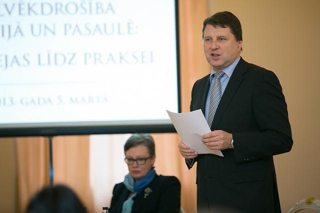 Prezidents aicina nekavēties ar reformu ieviešanu izglītībā