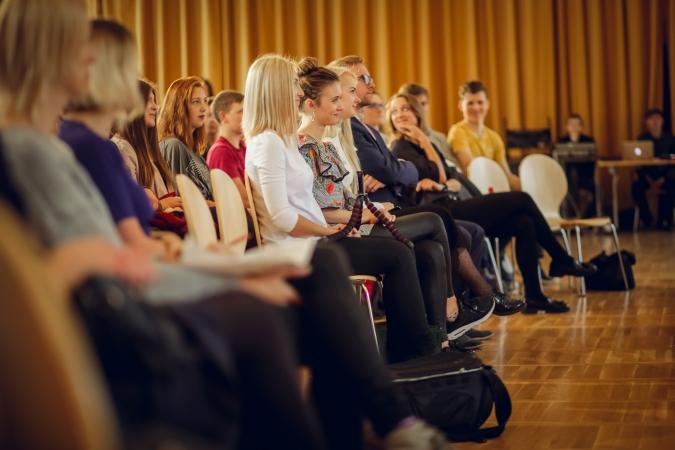 Pētījums: Latvijas jaunieši nezina, kas ir mākoņpakalpojumi