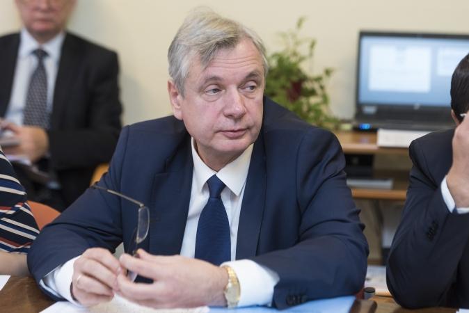 Ministrs: Skolu tīkla sakārtošanai punkts nav pielikts