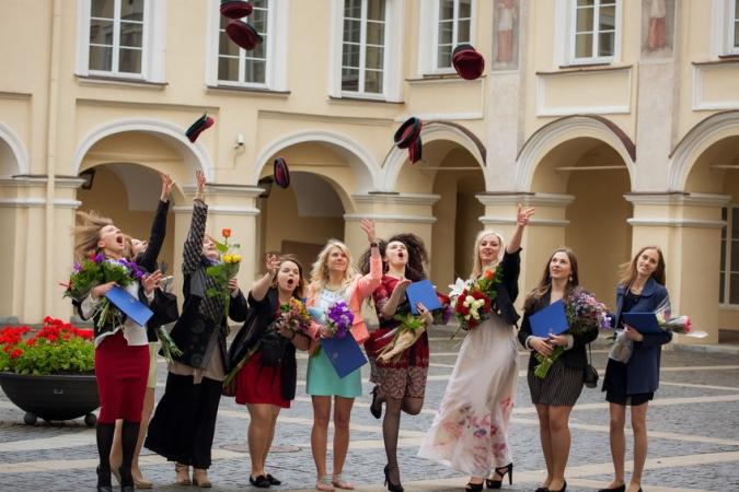 Lietuva atbalstīs labākajās pasaules augstskolās uzņemtos studentus, kas plāno atgriezties dzimtenē