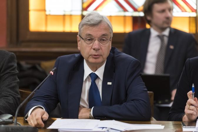 Šadurskis sāk darbu Eiropas Parlamentā